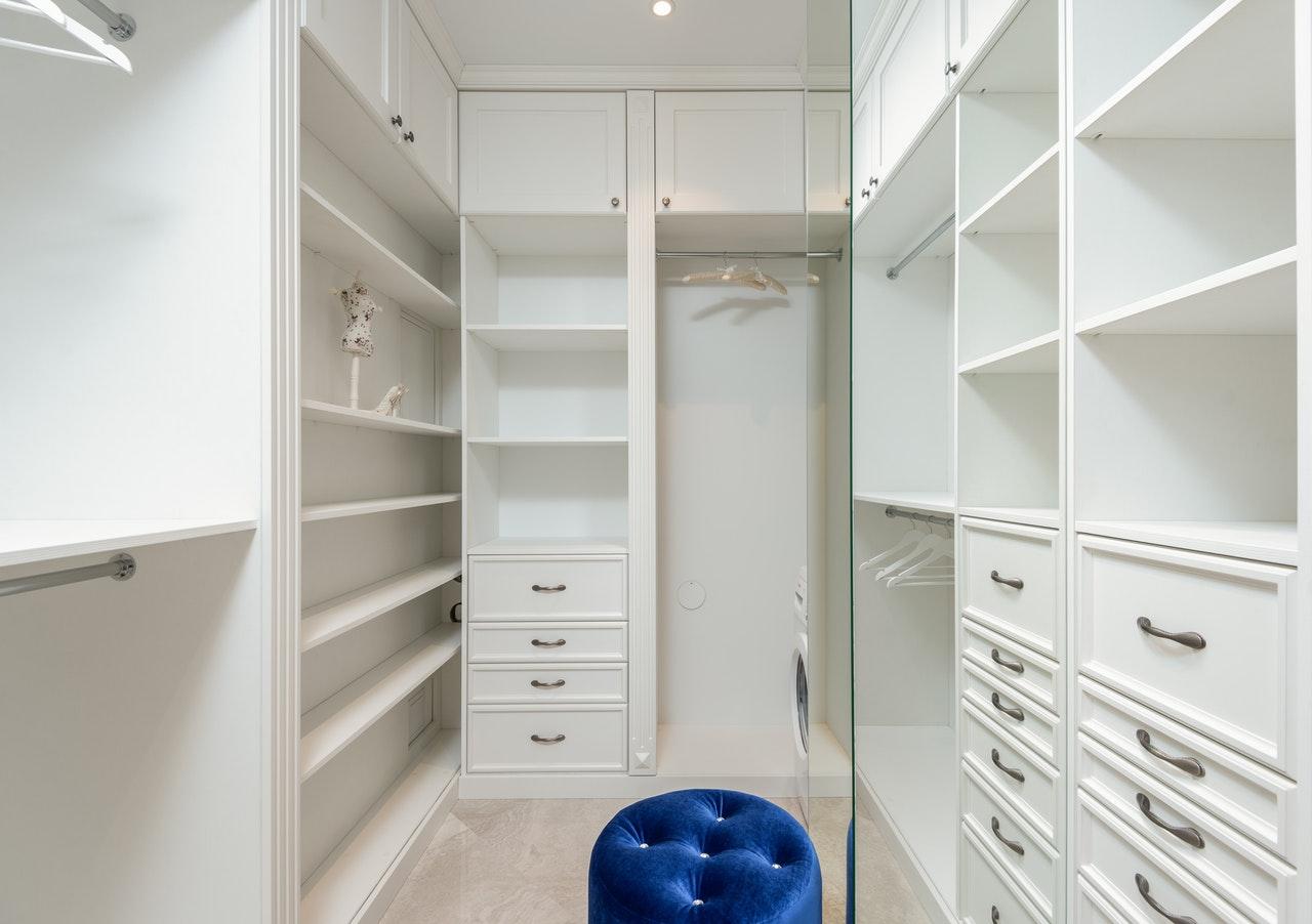 close compartments