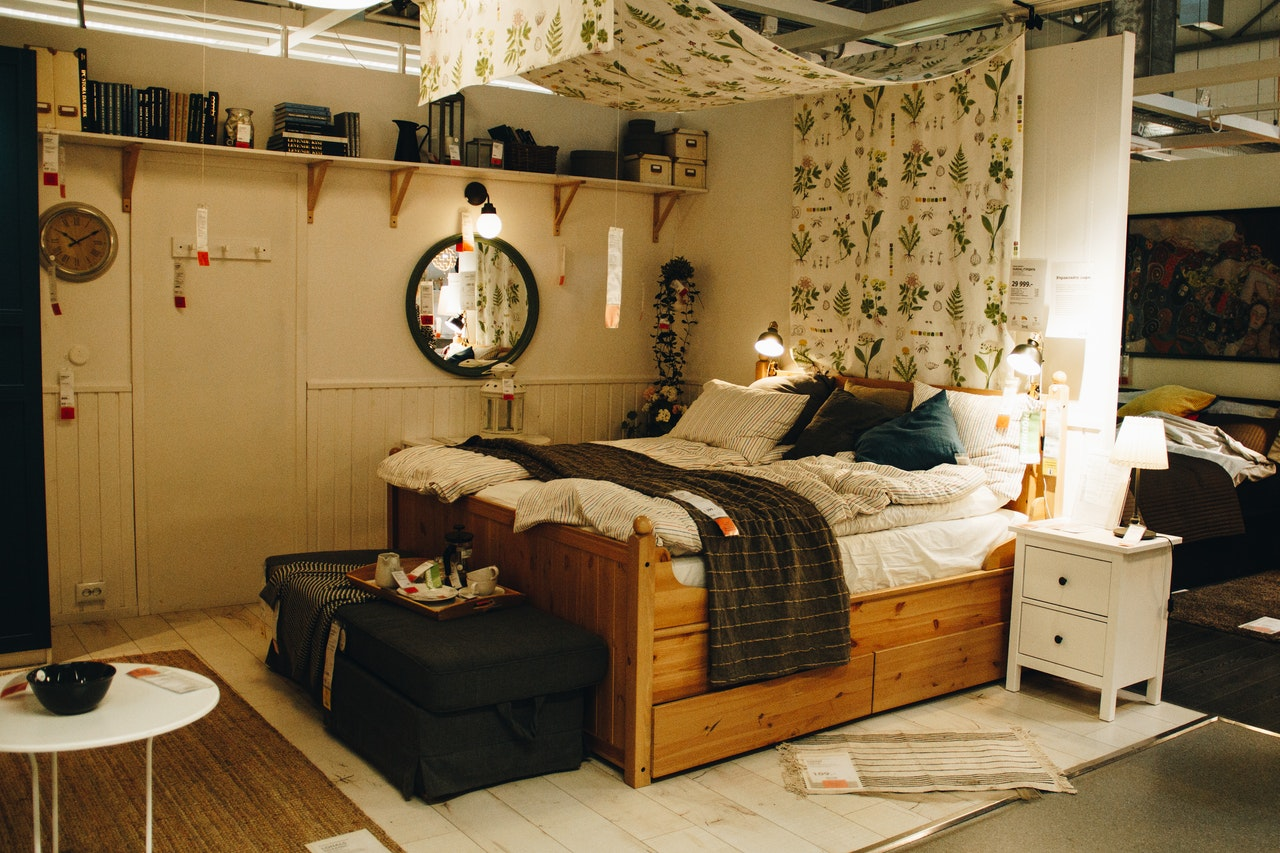 organized small bedroom